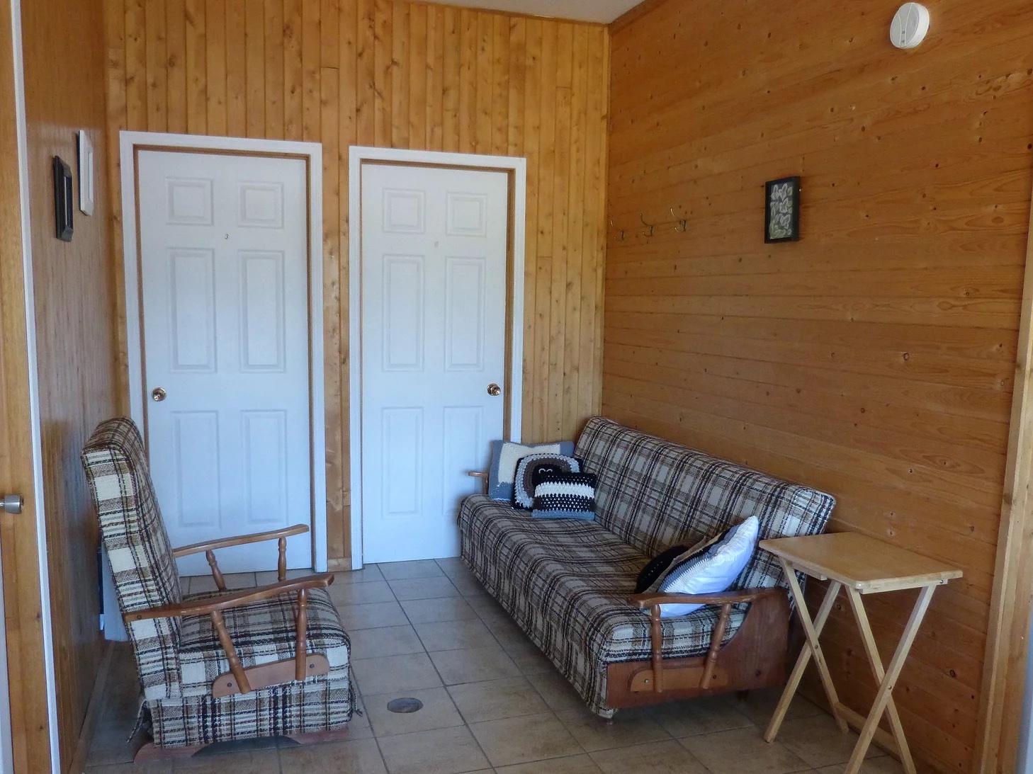 L'auberge et le camping du Lac Malcom sont situés à Sayabec en Gaspésie - photo pour page reservation chambre - Piscine